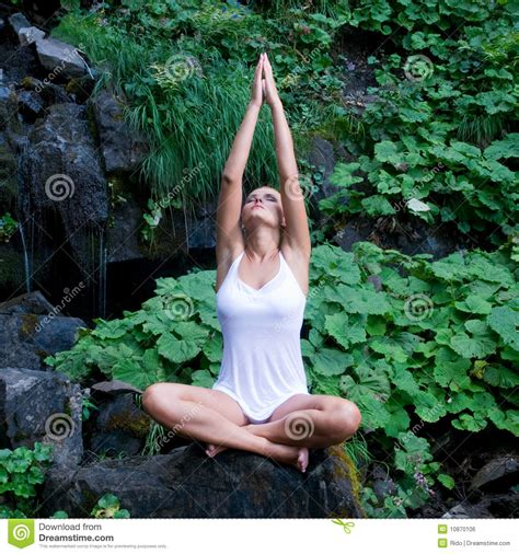 imagenes yoga naturaleza yoga en la naturaleza