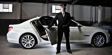 vip car service reliable driver chauffeurs on call service in delhi ncr