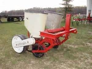 used farm tractors for sale 2 row 3pt corn planter 2003