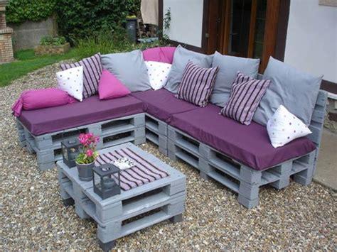 arredare con materiale di riciclo divano pallet ottima soluzione per arredare casa con