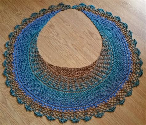 crescent shawl knitting pattern 17 best ideas about crescent shawl on knit