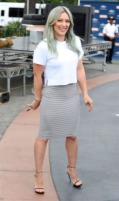 Style On The Set hilary duff style on the set of in universal city