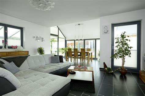 weiße haustüren wohnzimmer farben muster