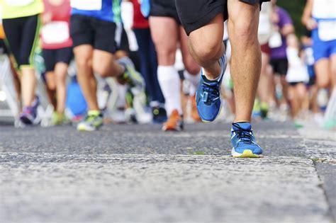 run it on running runners running marathon feetures
