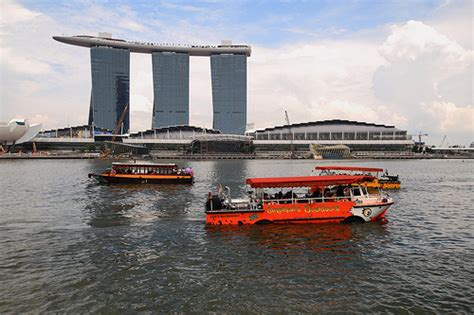 E Tiket Duck Tour Singapore Dewasa duck tour cara asik keliling kota dan nyemplung di