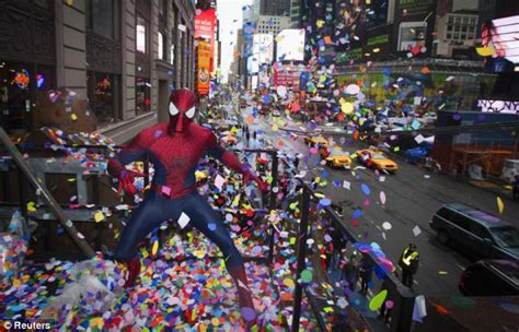 new year nyc today times square nye spider fails to catch damsel in