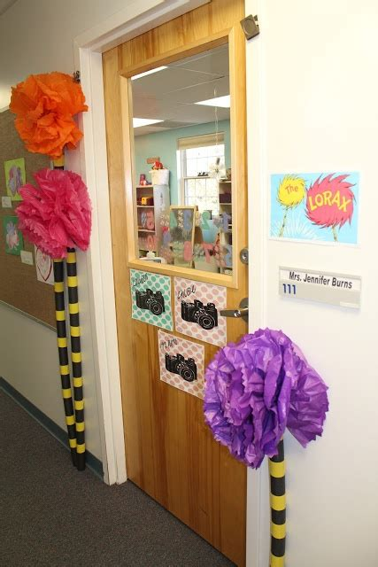 How To Make Truffula Trees Out Of Tissue Paper - 17 best images about dr seuss door on