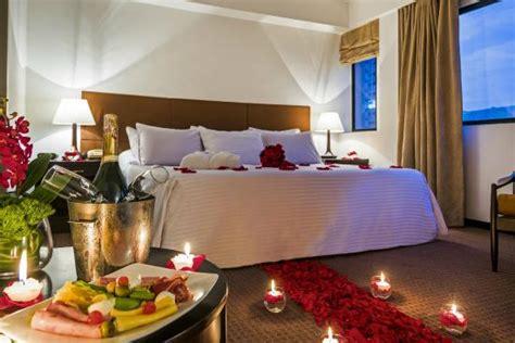 ideas para decorar habitacion de hotel romantica decoracion habitacion junior suite noche romantica