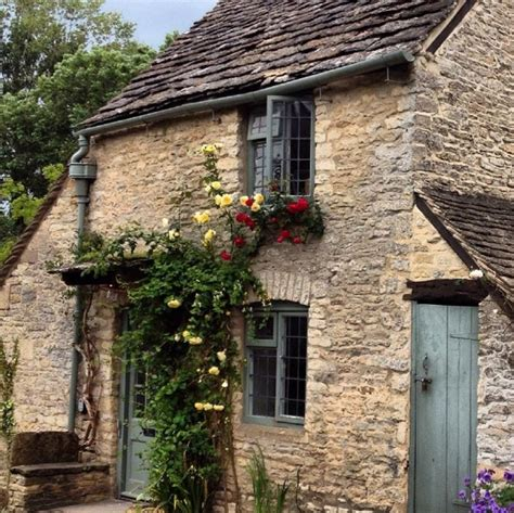 Cottages To Rent In The Cotswolds by The Honey Pot A Sweet Cottage In The Cotswolds