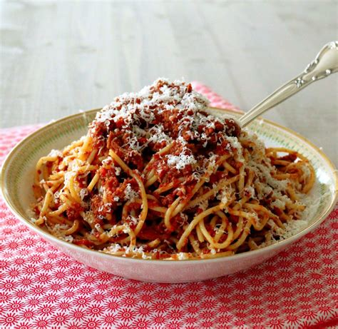best pasta for bolognese sauce cooker bolognese sauce foodtastic