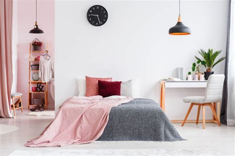 pink and white bedroom ideas