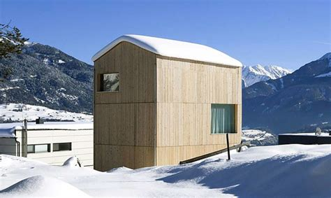 energy efficient cabin energy efficient minimalist cabin blends into an alpine