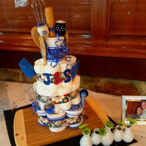 couples wedding shower cake ideas pin by candice williams on feeling crafty