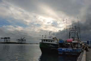 fishing boat jobs in hawaii foreign fishermen confined to boats catch hawaiian seafood