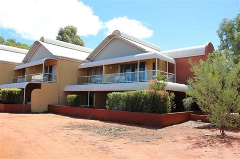 passend picture of desert gardens hotel ayers rock