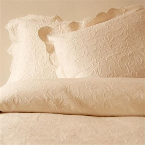 cotton coverlet timeless ecru scroll design w scalloped edge matelasse