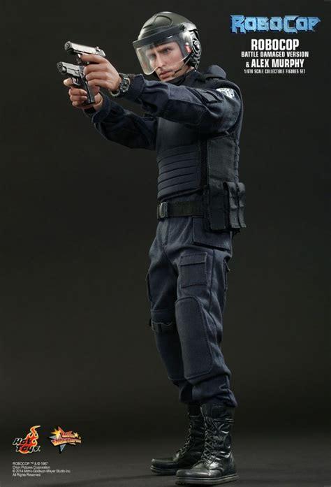 Figure Captain America Robocop Batman Set S4c robocop battle damge alex murphy hottoys mms266