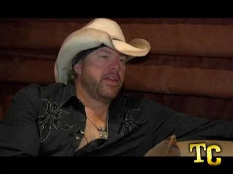 willie nelson smoking pot toby keith quot i will never smoke weed with willie nelson