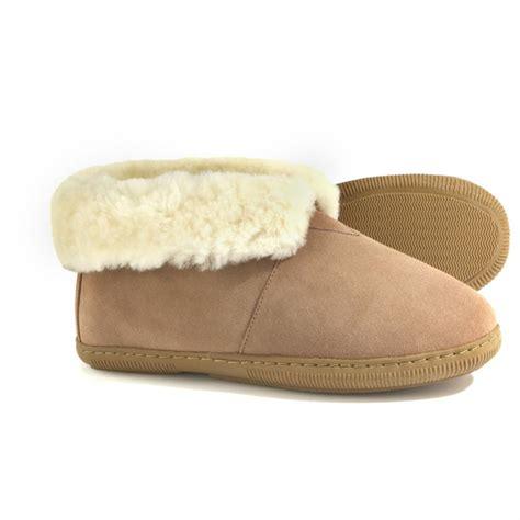 lamo slippers womens s lamo 174 sheepskin booties sandstone 103769