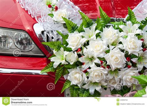 wedding car decorations with flower bouquet pictures wedding car decoration stock photo image of modern limo 44058764