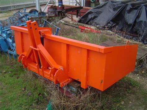 cajones para tractores caj 243 n basculante 183 maquinaria agr 237 cola cmas