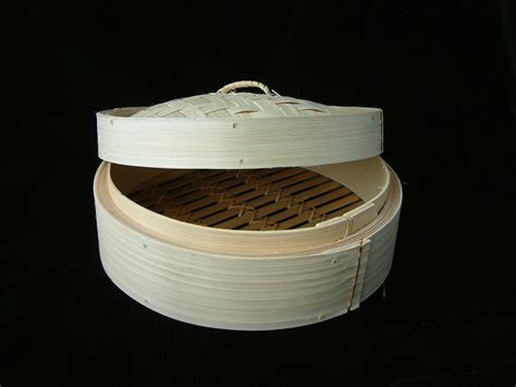 Traditional Chinese bamboo steamer and lid 8 inch