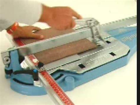 taglio piastrelle gres taglio di piastrelle in gres porcellanato rugoso 12mm a 90