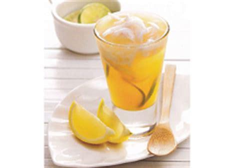 Kitab Minuman Segar resep es jeruk kelapa putra gantiwarno
