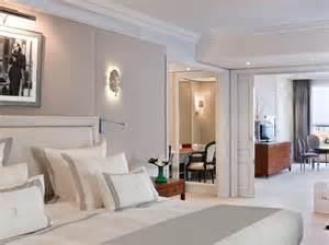 visitez les plus belles suites des palaces cannois femme