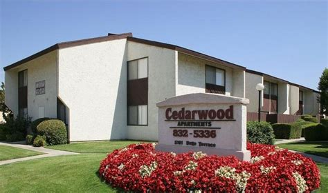 bakersfield appartments cedarwood apartments rentals bakersfield ca