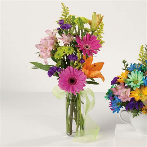Flower Arrangements In Vase by Birthday Bud Vase Milwaukie Florist Milwaukie Floral