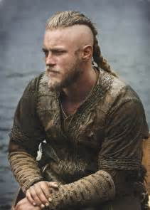 travis fimmel hair hairstyle guide for ragnar lothbrok hair
