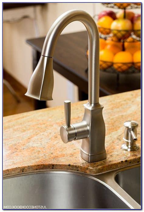 moen boutique kitchen faucet moen boutique pulldown kitchen faucet ca87006srs faucet