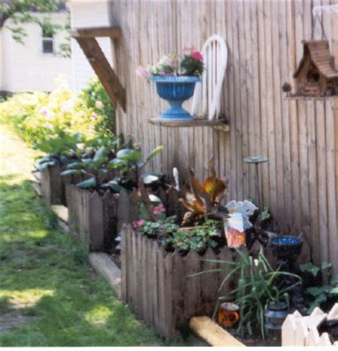 lovemyjunk recycled planters and yard