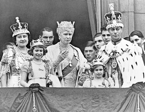 the the and times of elizabeth ii books diamonds and dust excerpt from a new book on the koh i