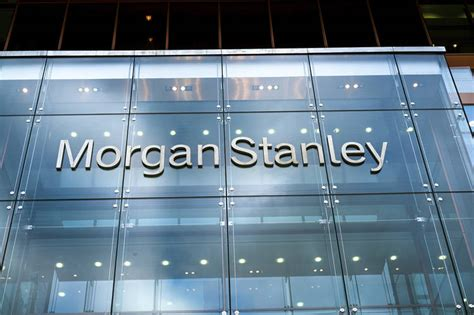 trader stanley stanley s bond traders beat the financial news