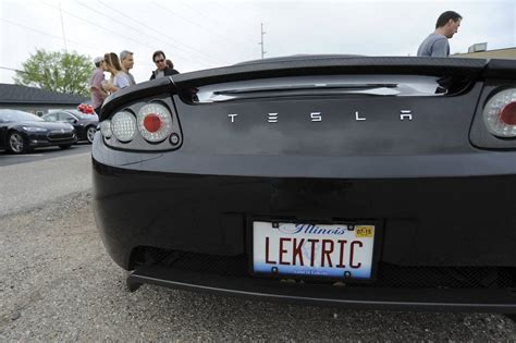 tesla roadster discontinued tesla gets boost from lg chem industry news