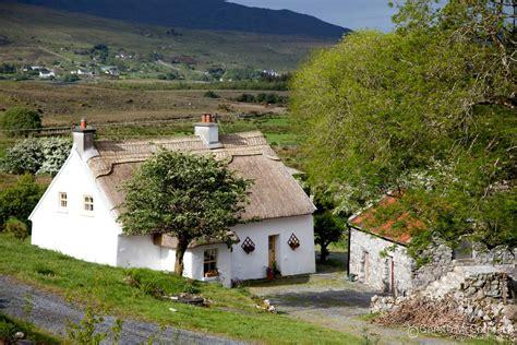 ireland cottage traditional thatched cottage derroura connemara co