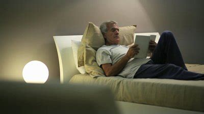 reading before bed these 14 common bedtime habits are bad for you vorply