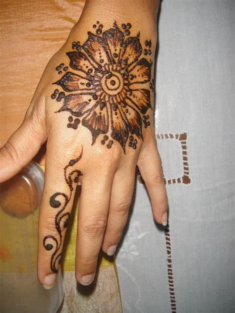 tattoo in kalyani hand 10 round mehndi designs you should definitely try