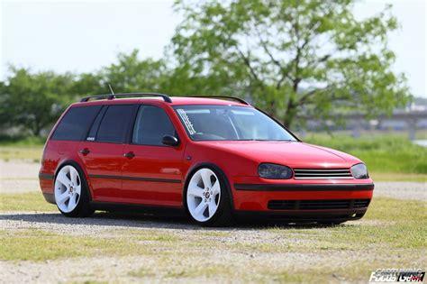 Stanced Volkswagen Golf Variant Mk4