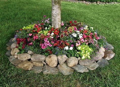flower bed rocks best 25 flower beds ideas on pinterest front flower