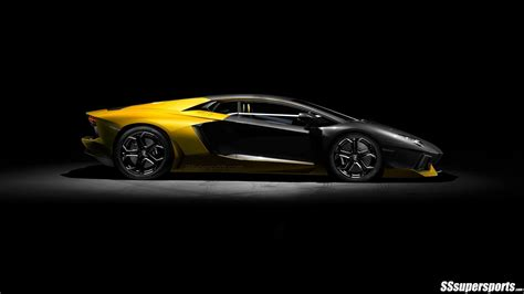 yellow lamborghini black and yellow lamborghini wallpaper 8 cool wallpaper