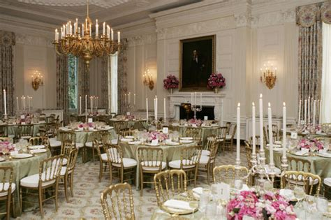 beautifully decorated dinner tables state dinner
