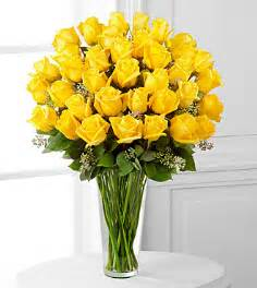 Ftd Vases The Yellow Rose Bouquet By Ftd 174 Vase Included