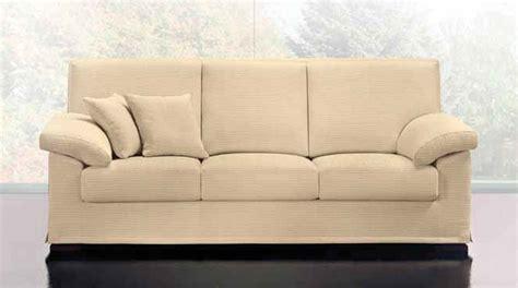 divani con cuscini divano tre posti con cuscini arredamento classico tregima