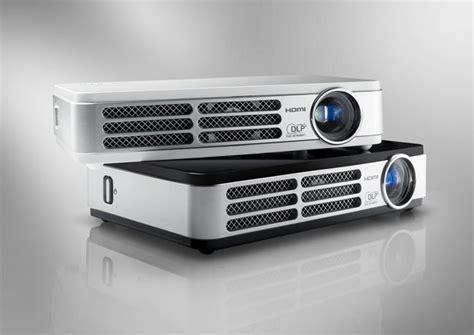 Mini Proyektor Qumi vivitek qumi hd led 3d pocket projectors start shipping