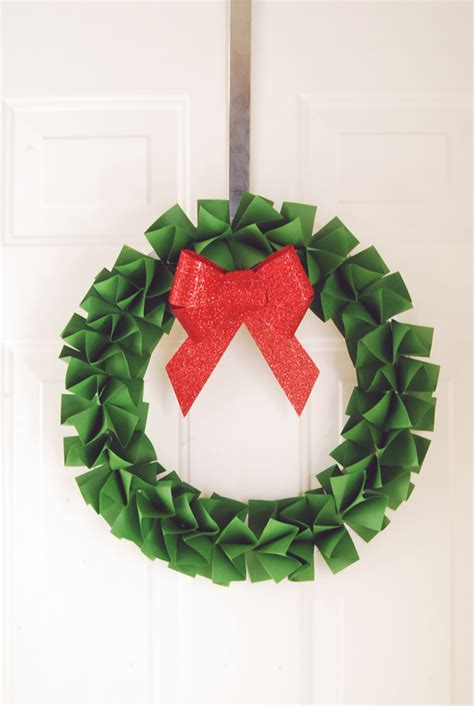 How To Make A Wreath Out Of Paper - paper wreath bazarika