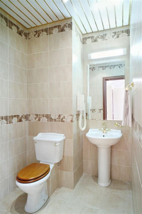 clean bathroom mirror clean bathroom with toilet and washbasin with mirror