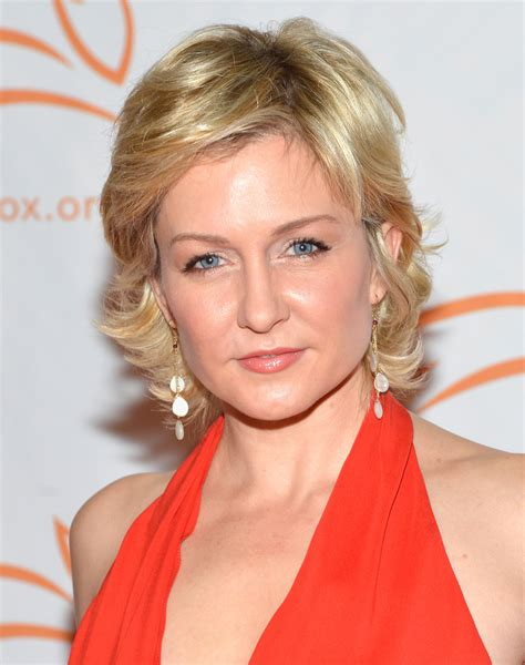 amy carlson hairstyles on blue bloods amy carlson hairstyle newhairstylesformen2014 com